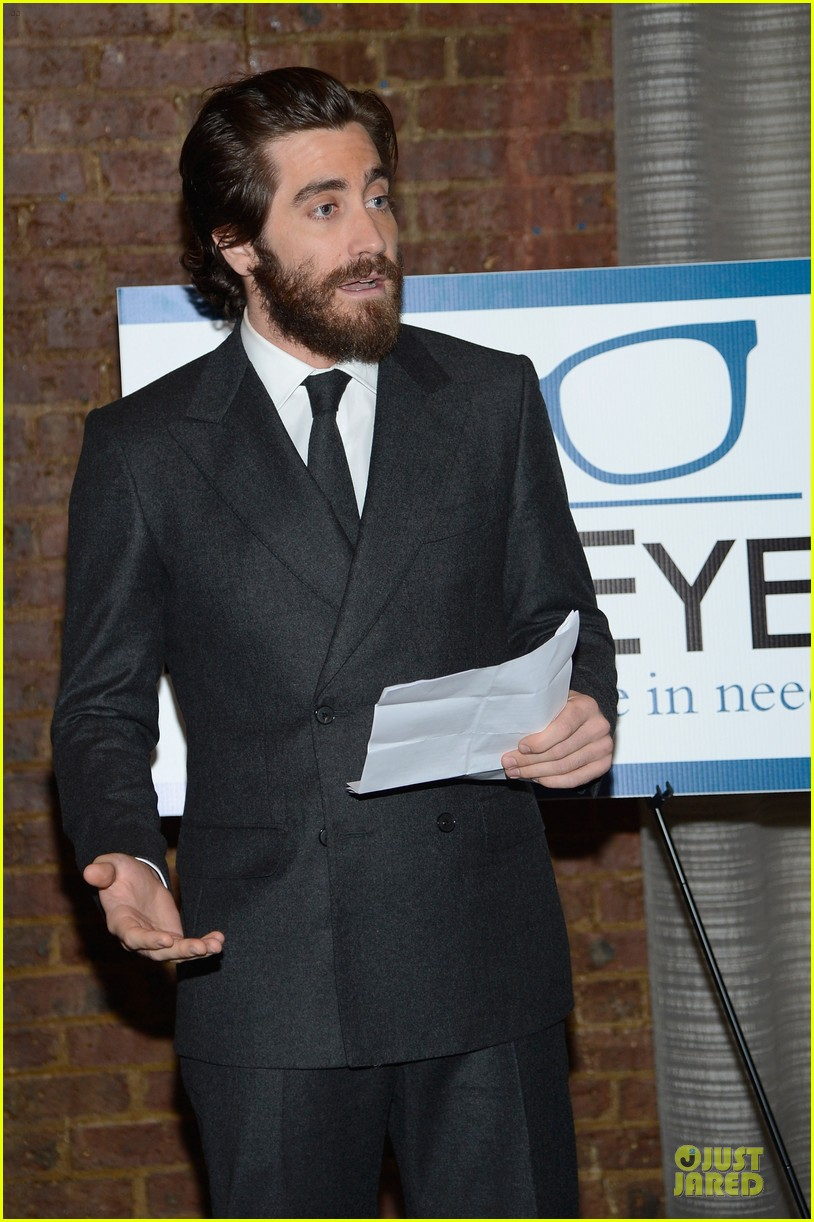 jake gyllenhaal new eyes for the needy gala honoree 09