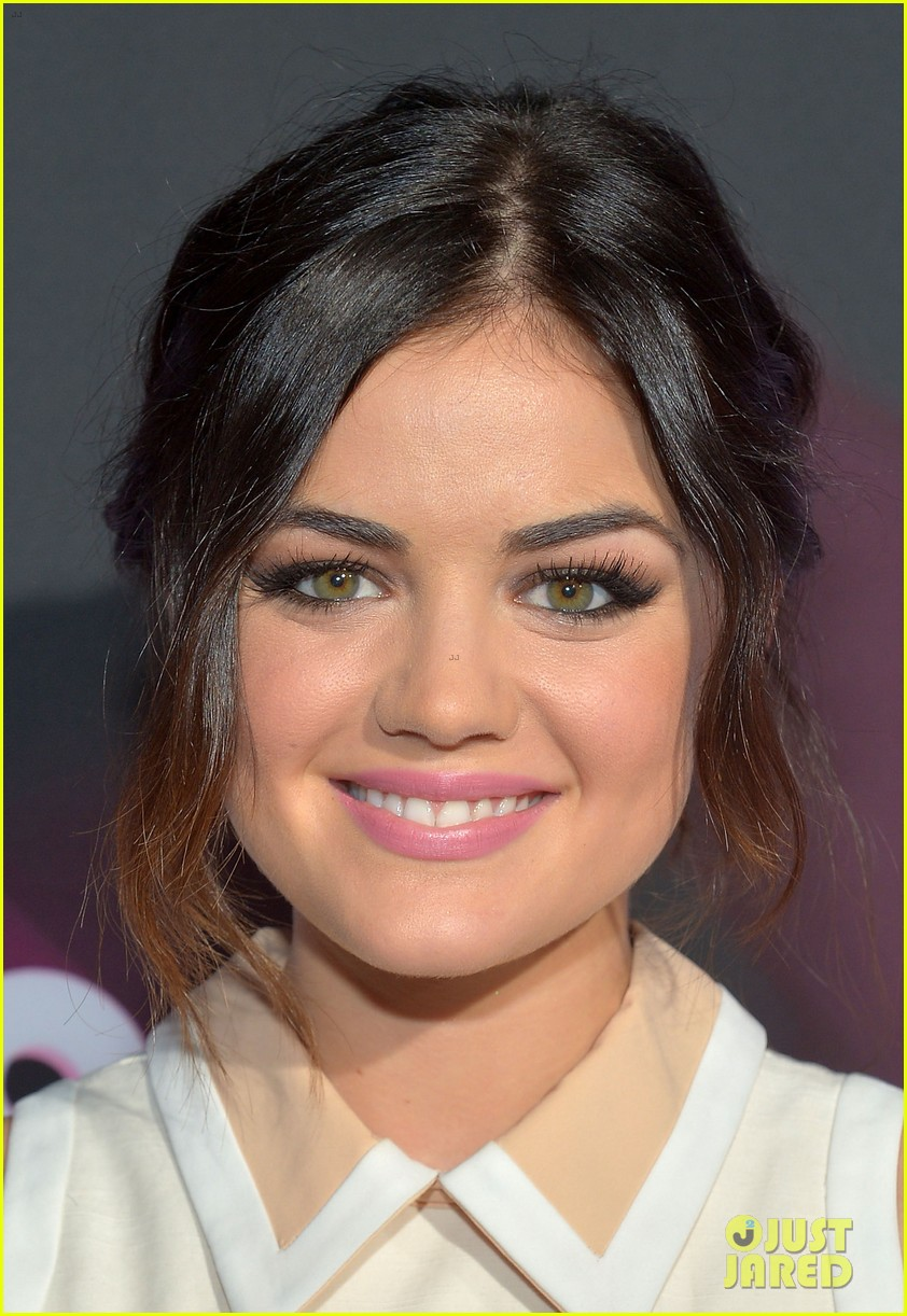 lucy hale victoria justice teennick halo awards 2012 022759729