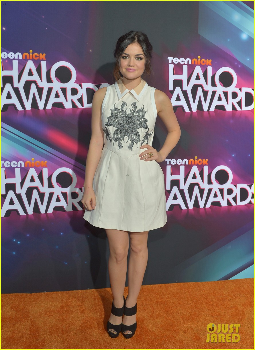 lucy hale victoria justice teennick halo awards 2012 072759734