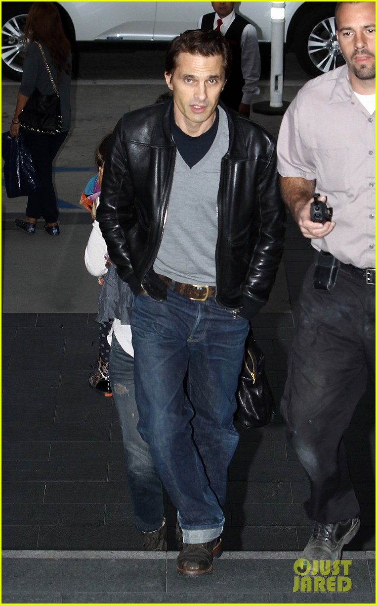 halle berry olivier martinez westfield mall shoppers032758900