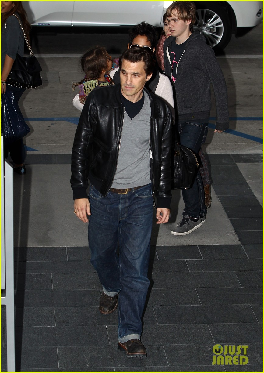 halle berry olivier martinez westfield mall shoppers092758906