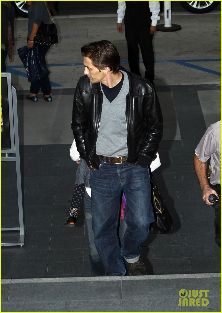 halle berry olivier martinez westfield mall shoppers11