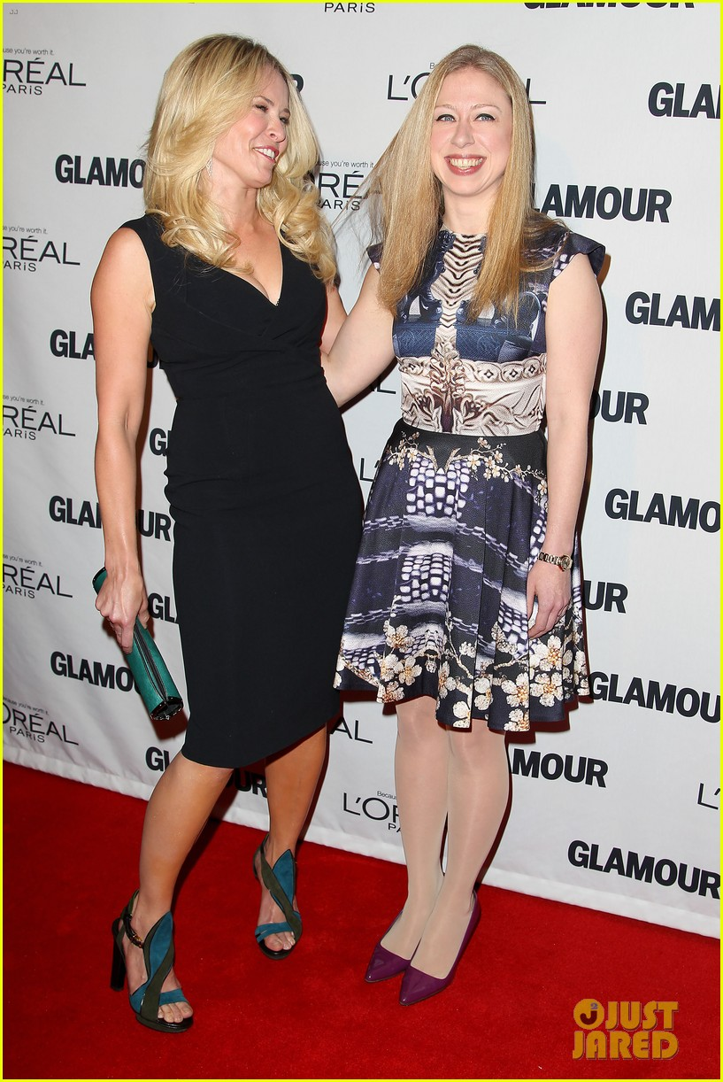 lena dunham glamour women of the year awards 2012 07