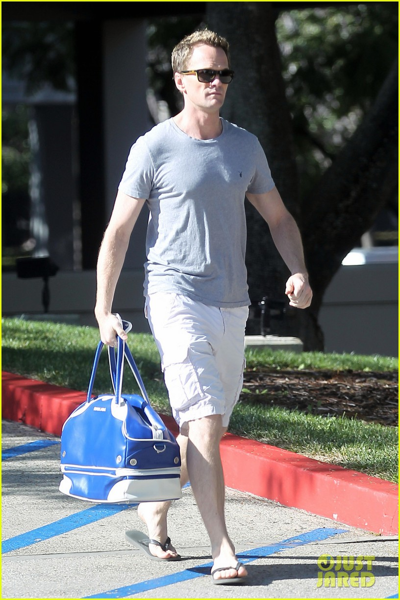neil patrick harris cheers for four more years 022753280