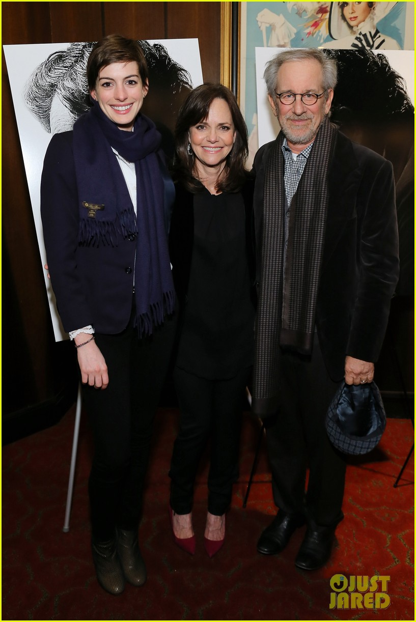 anne hathaway lincoln screening with steven spielberg 012757767