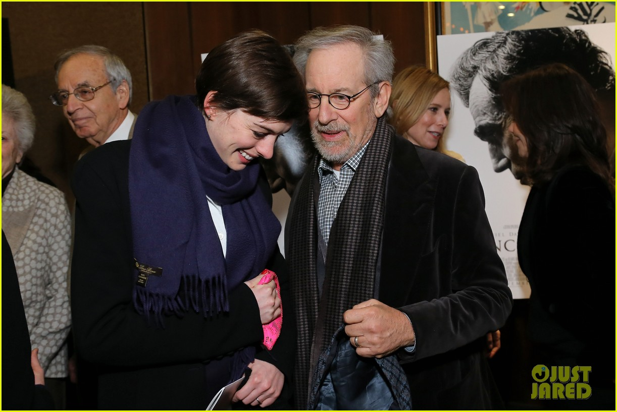 anne hathaway lincoln screening with steven spielberg 022757768