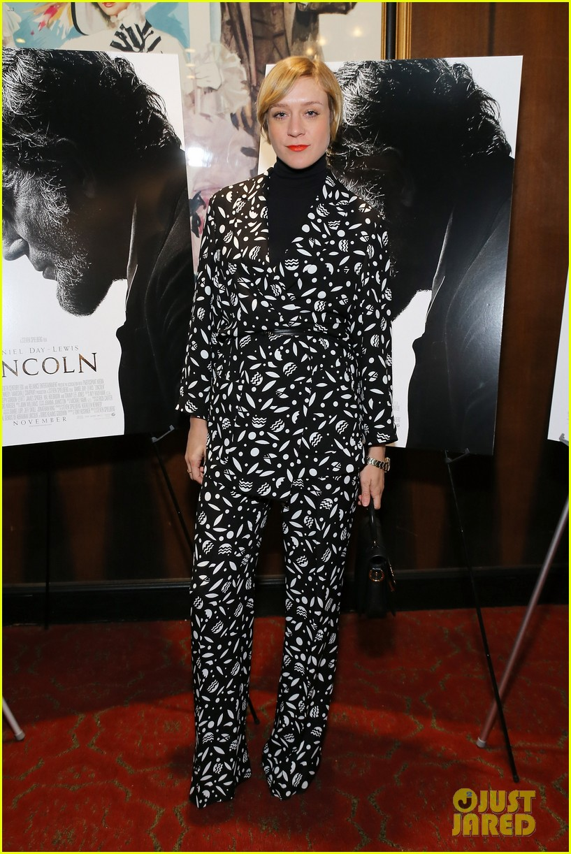 anne hathaway lincoln screening with steven spielberg 032757769