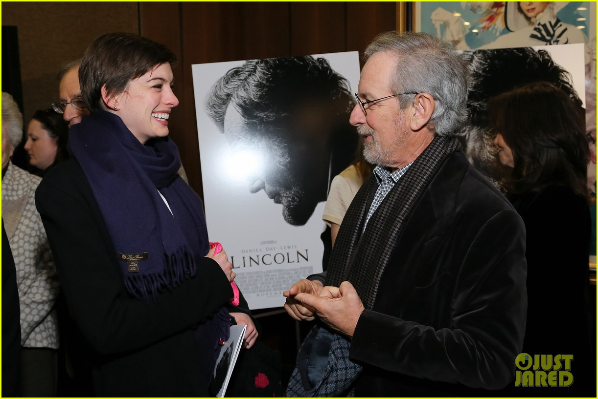 anne hathaway lincoln screening with steven spielberg 072757773