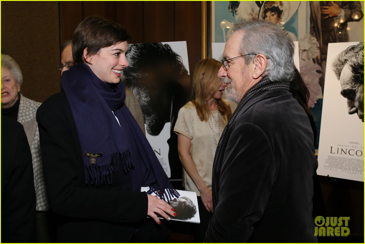 anne hathaway lincoln screening with steven spielberg 122757778