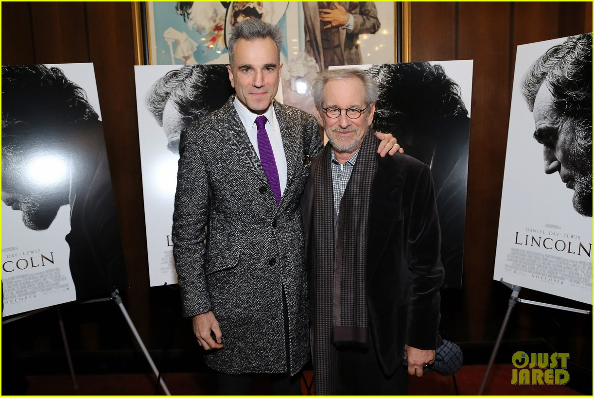 anne hathaway lincoln screening with steven spielberg 152757781