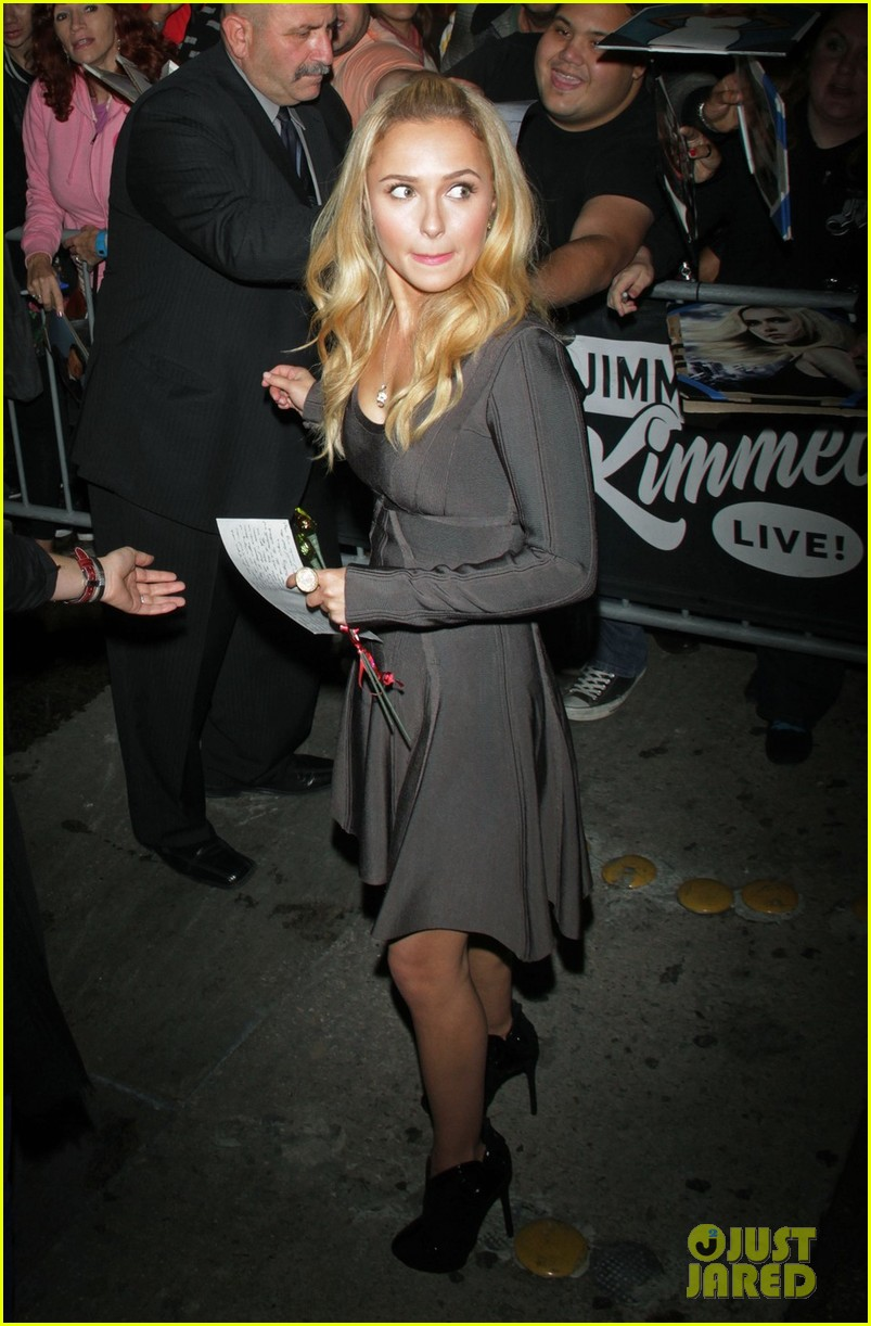 hayden panettiere extra at the grove appearance 012753534