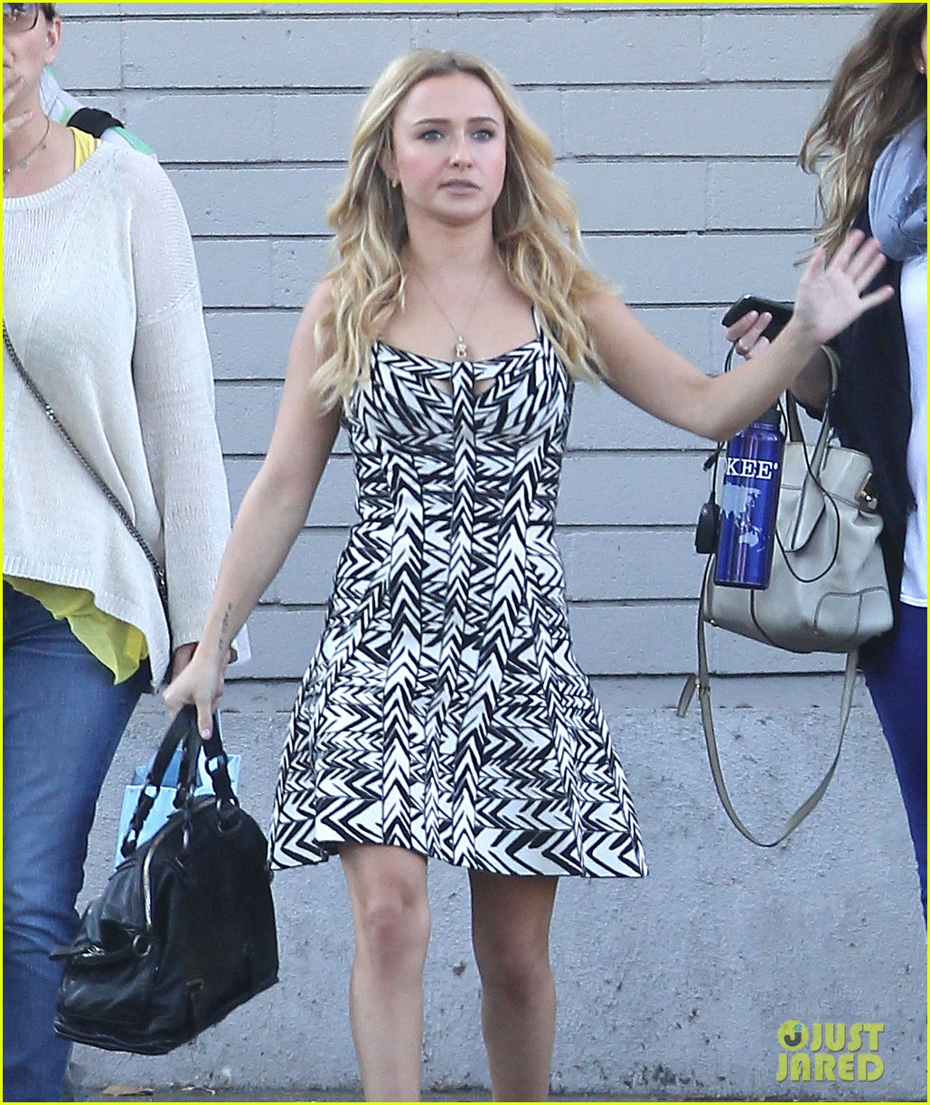 hayden panettiere extra at the grove appearance 182753551