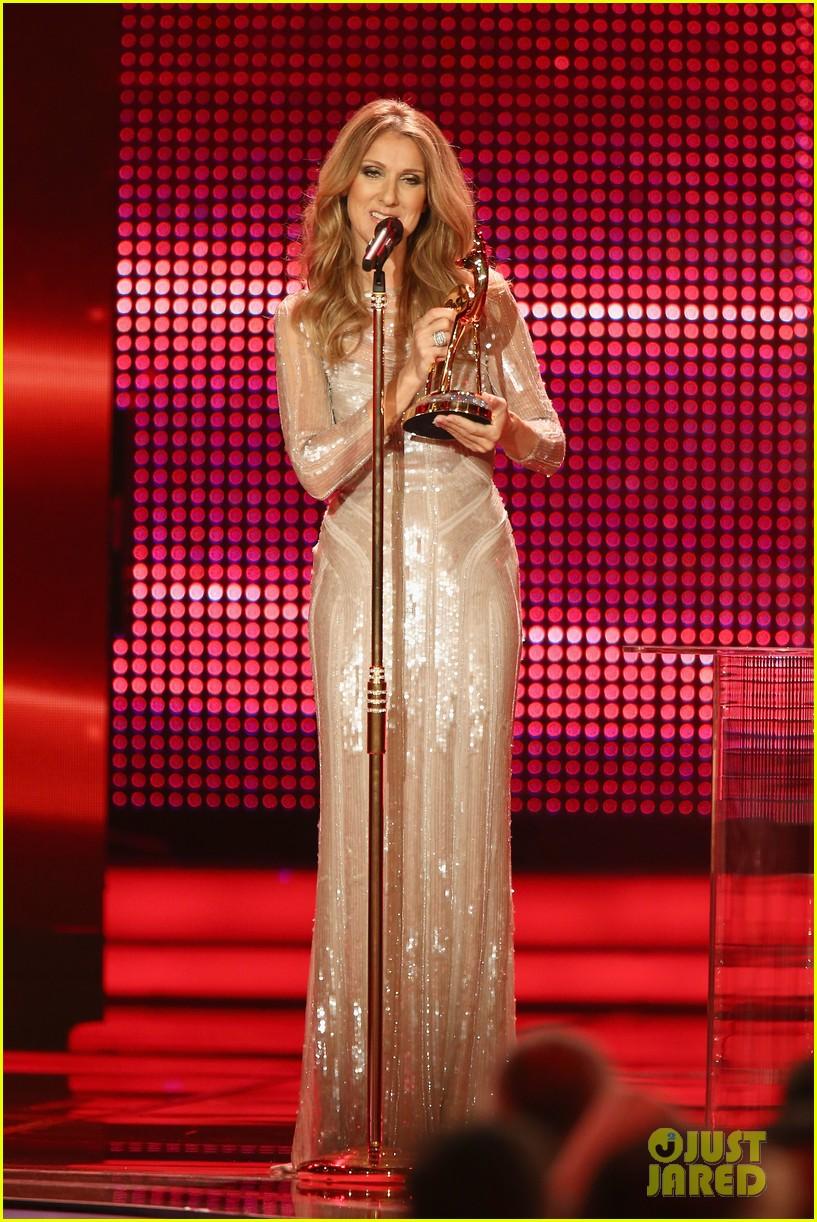 salma hayek celine dion bambi awards 2012 042762682