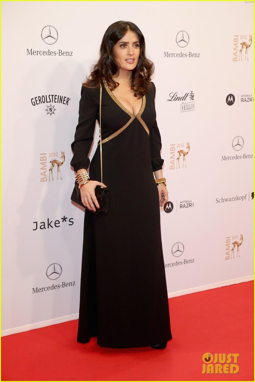 salma hayek celine dion bambi awards 2012 11