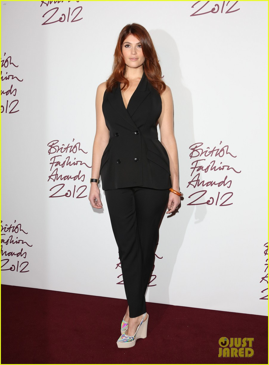 salma hayek rita ora british fashion awards 2012 042764757