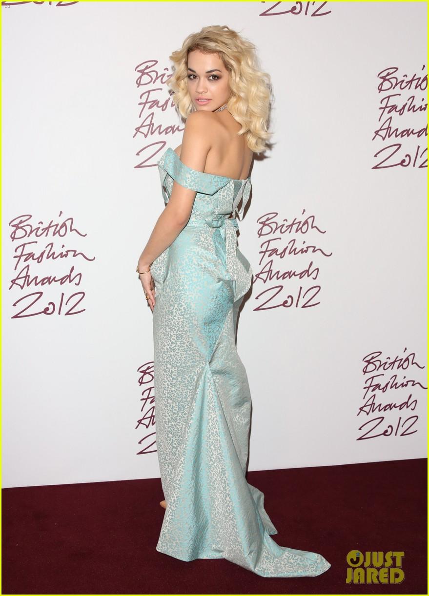 salma hayek rita ora british fashion awards 2012 142764767