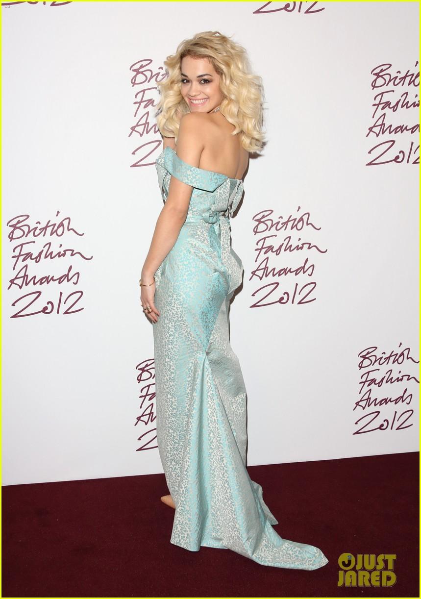 salma hayek rita ora british fashion awards 2012 182764771