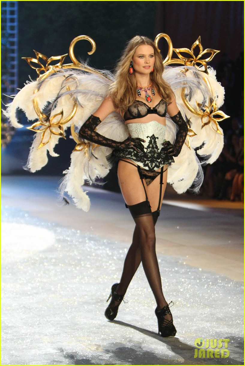 erin heatherton behati prinsloo victorias secret fashion show 2012 12