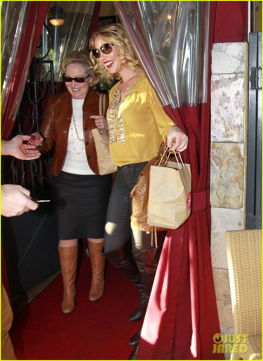 katherine heigl birthday lunch with josh kelley mom nancy 07