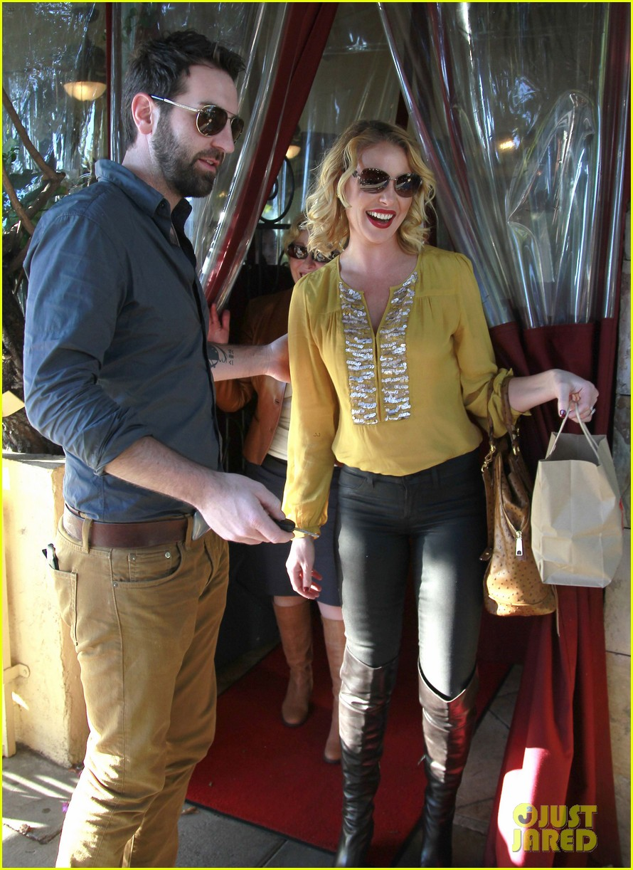 katherine heigl birthday lunch with josh kelley mom nancy 08