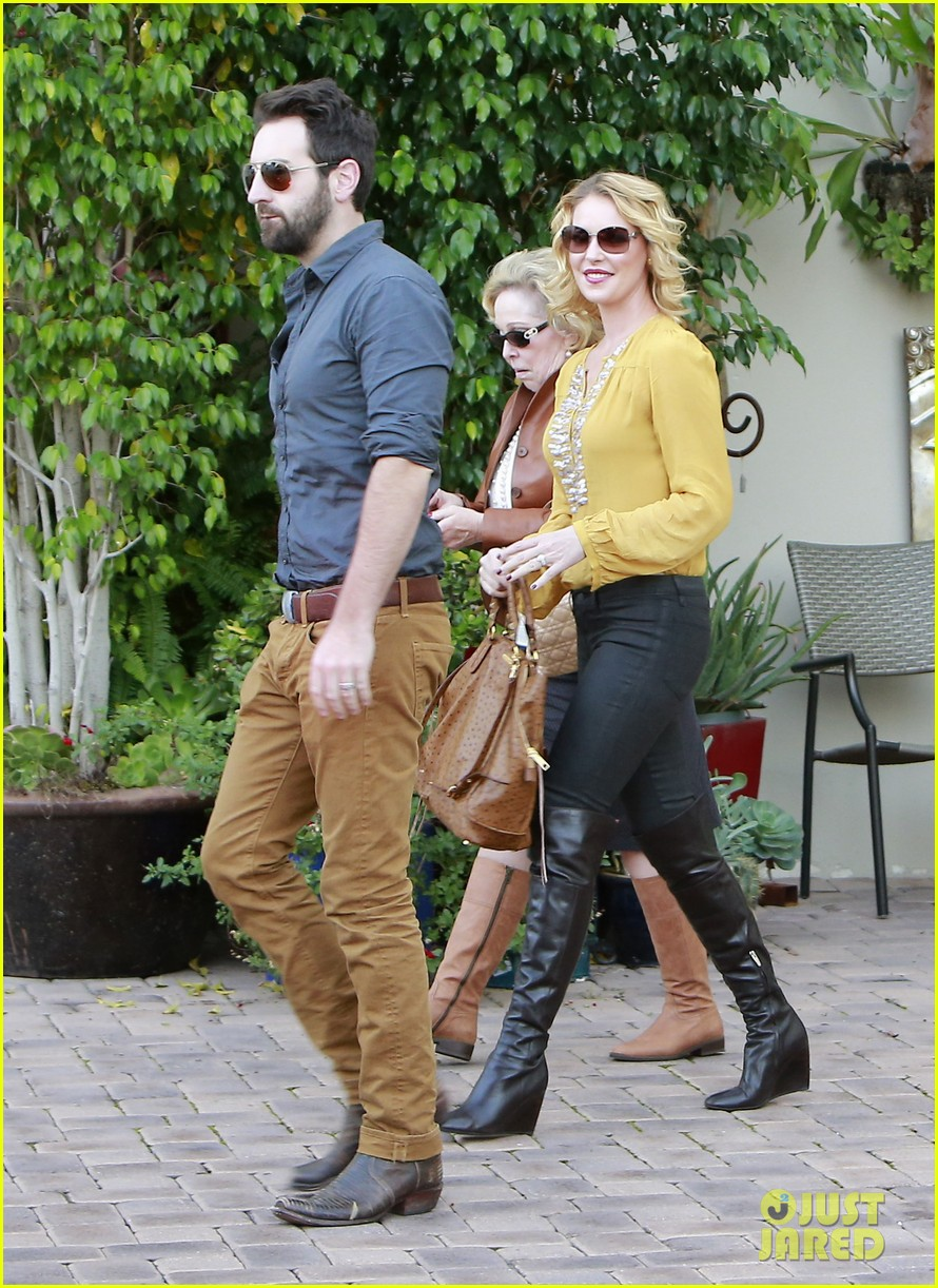 katherine heigl birthday lunch with josh kelley mom nancy 102763529