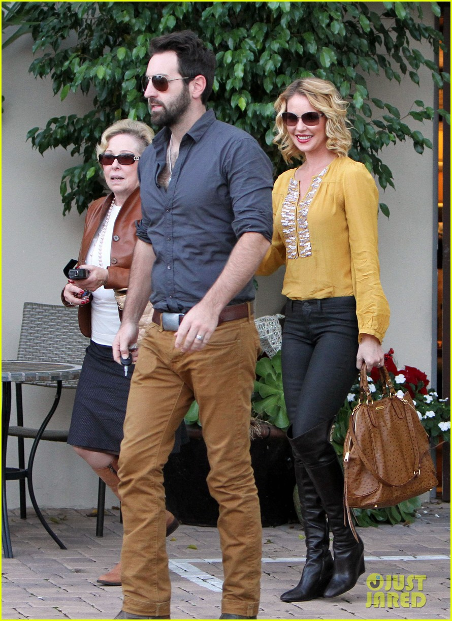 katherine heigl birthday lunch with josh kelley mom nancy 162763535