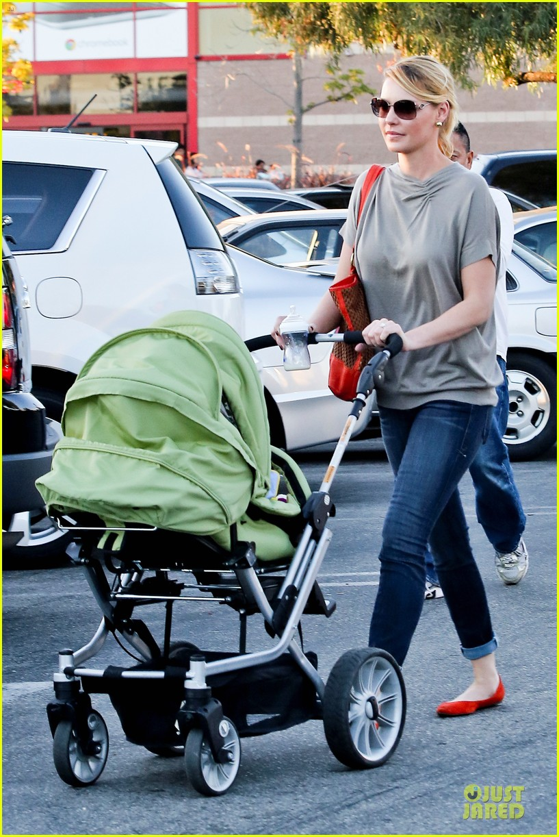 katherine heigl josh kelley naleigh birthday party shopping 06