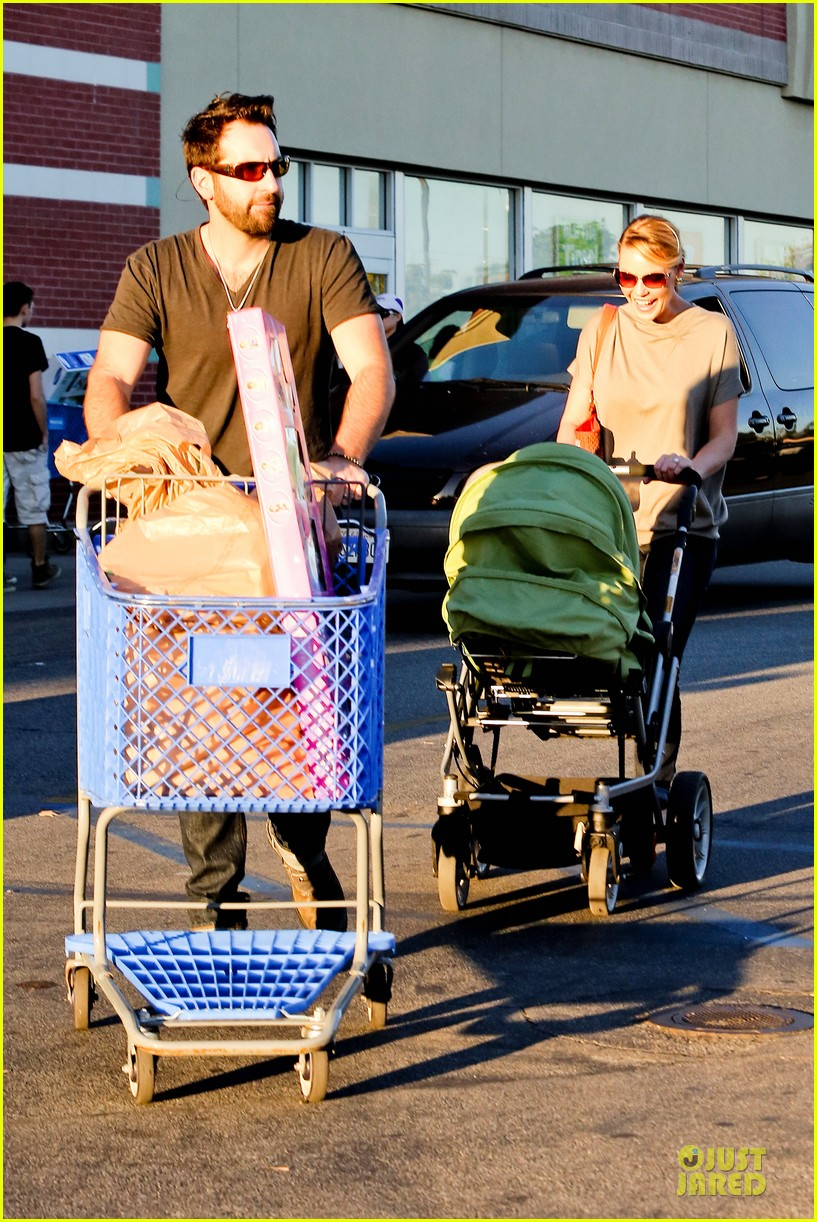 katherine heigl josh kelley naleigh birthday party shopping 142763135