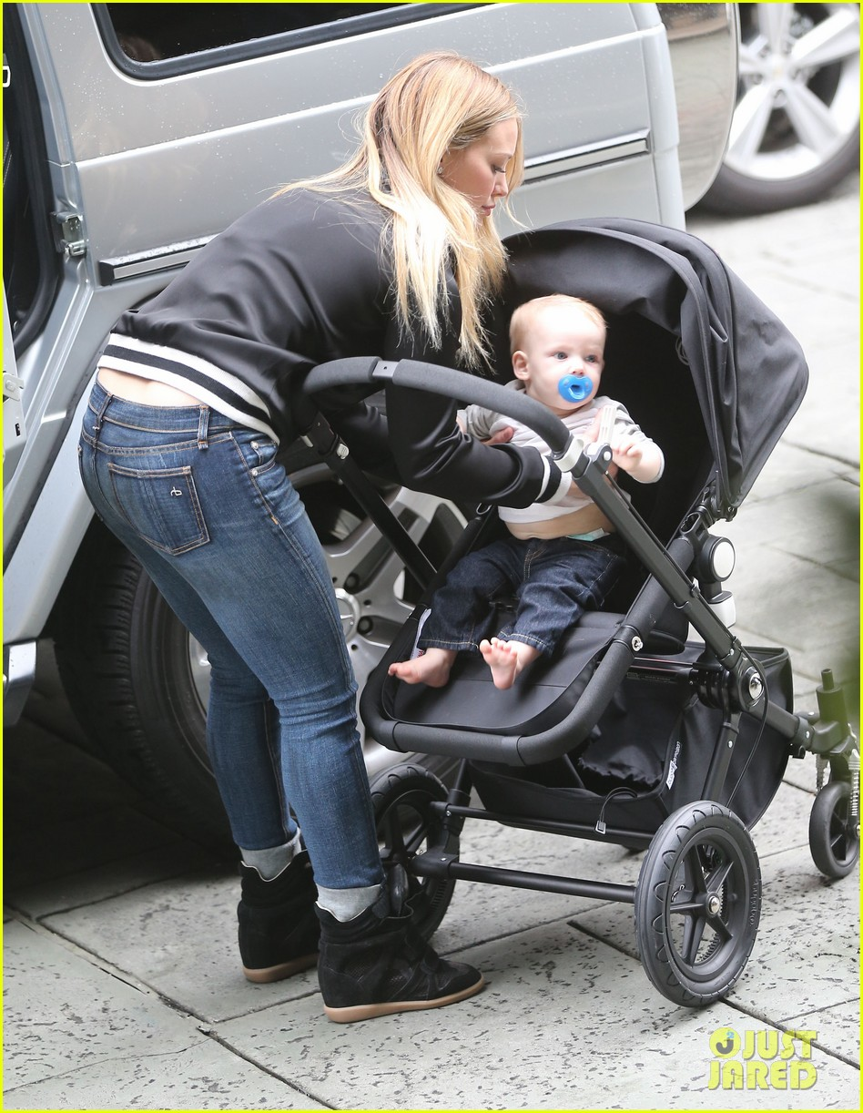 hilary duff its beginning to look like christmas 062766273