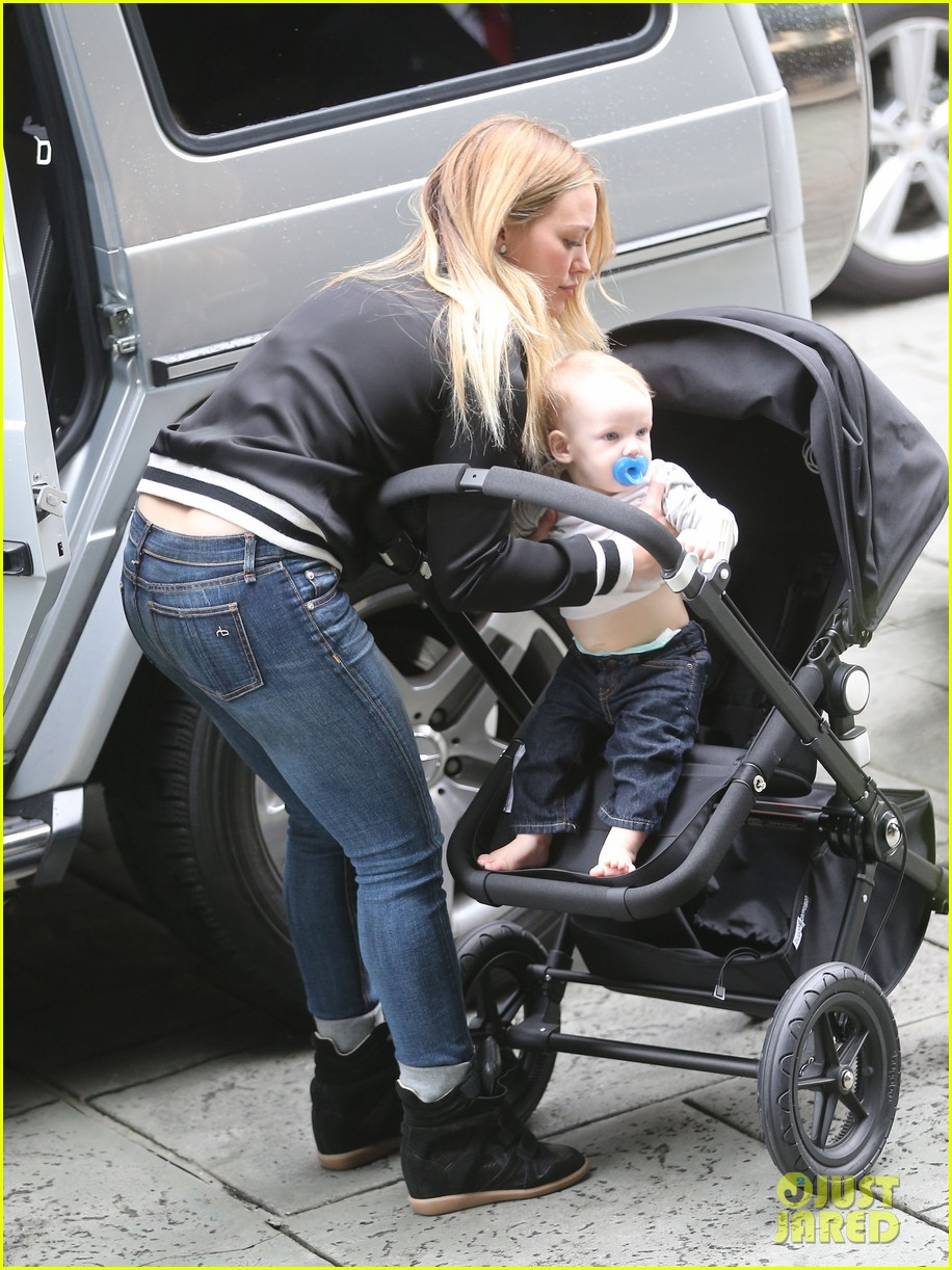 hilary duff its beginning to look like christmas 17
