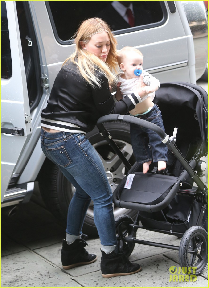 hilary duff its beginning to look like christmas 182766285