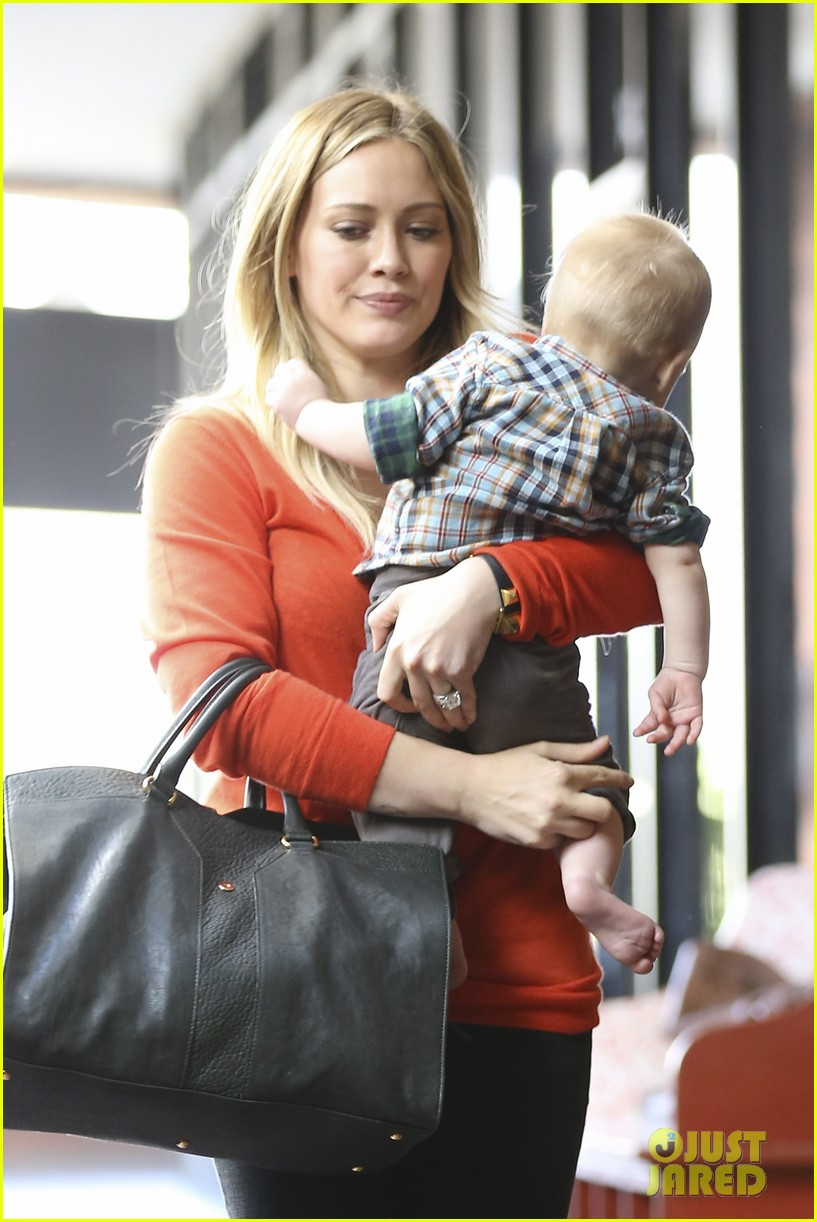 hilary duff its beginning to look like christmas 26