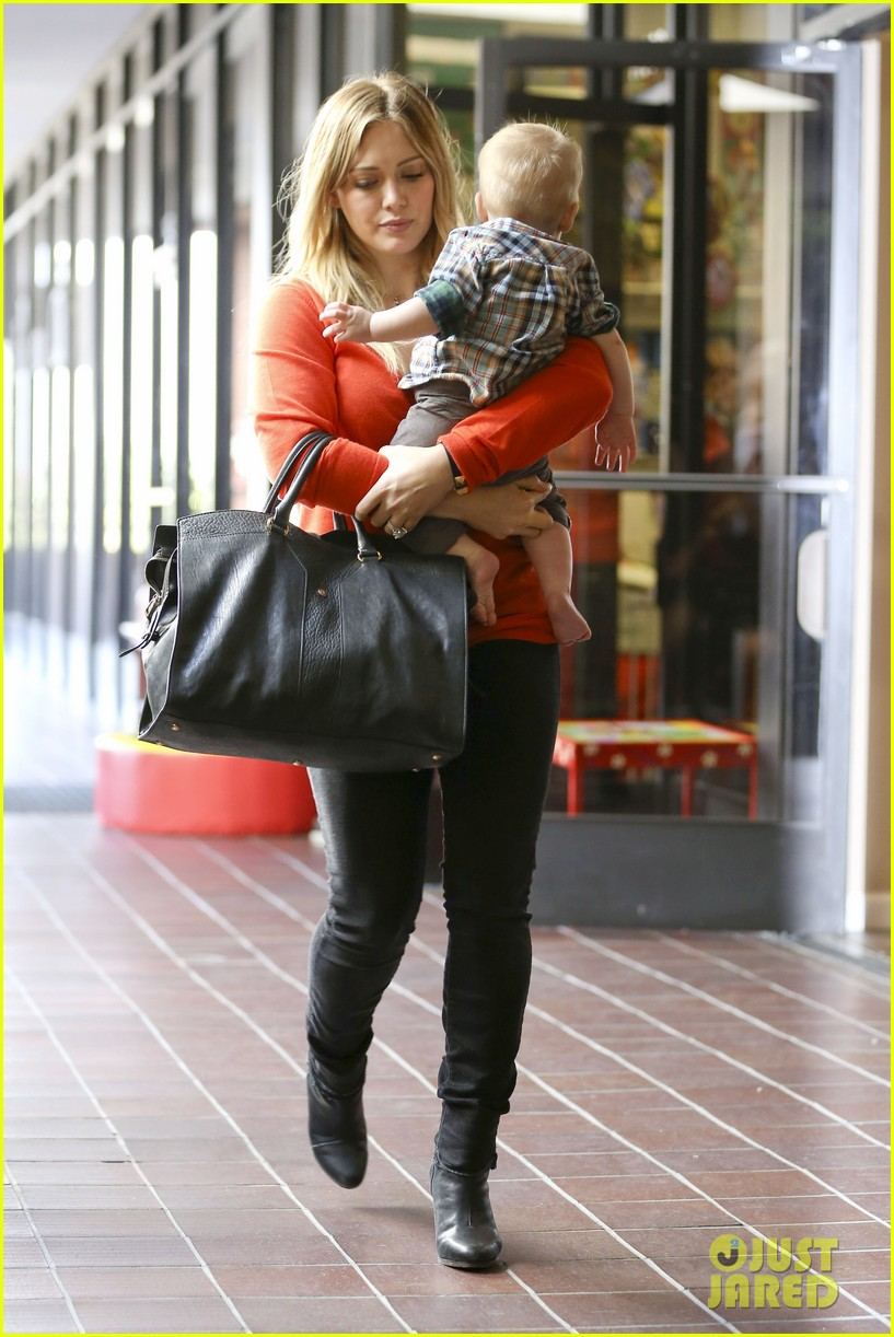 hilary duff its beginning to look like christmas 272766294