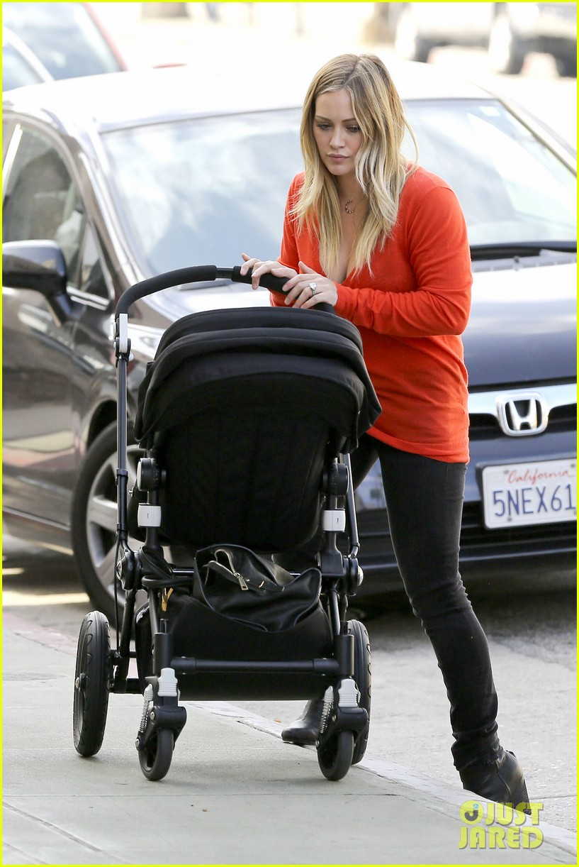 hilary duff its beginning to look like christmas 28