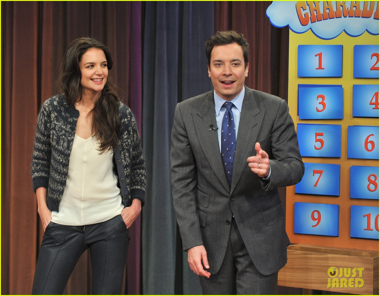katie holmes plays charades on late night with jimmy fallon 042758490