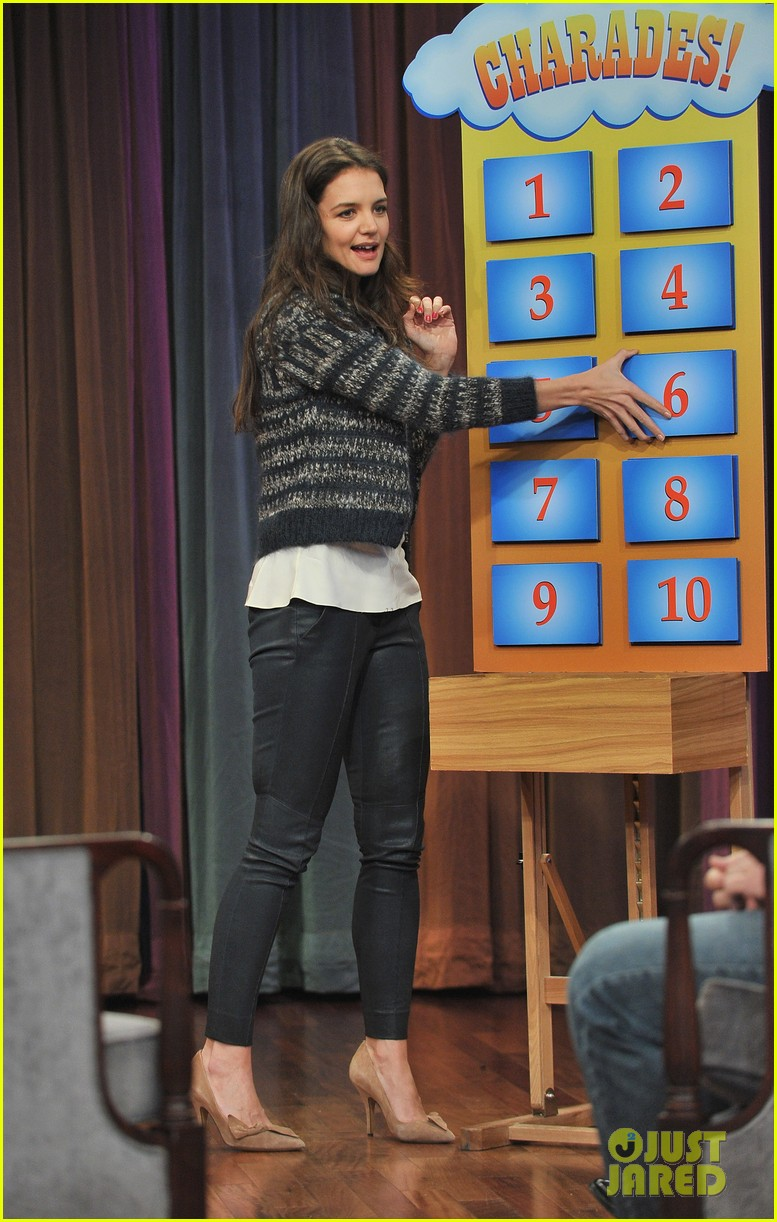 katie holmes plays charades on late night with jimmy fallon 05