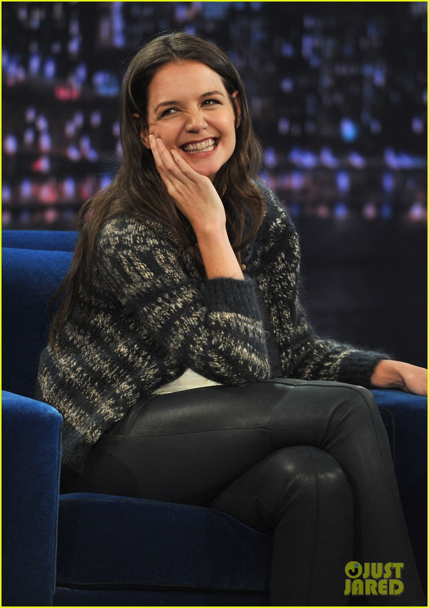 katie holmes plays charades on late night with jimmy fallon 072758493