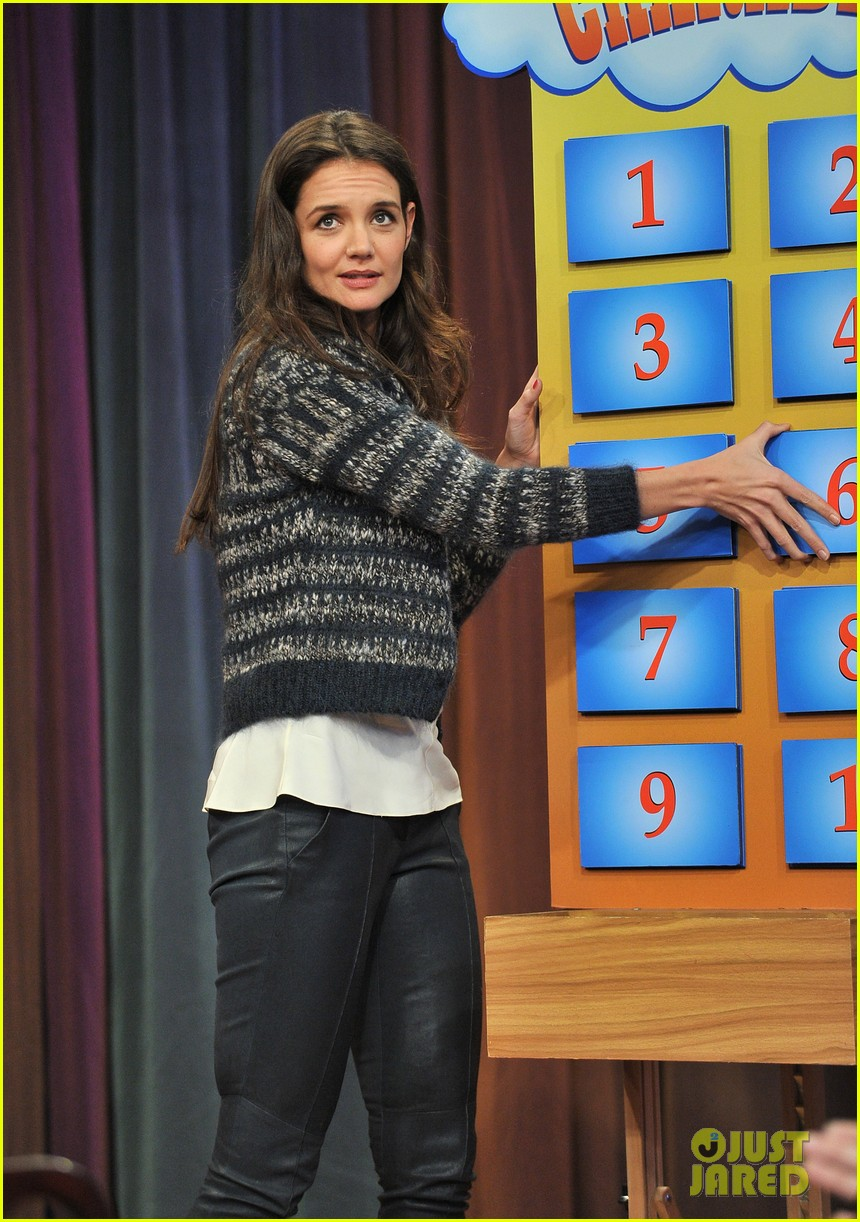 katie holmes plays charades on late night with jimmy fallon 122758498