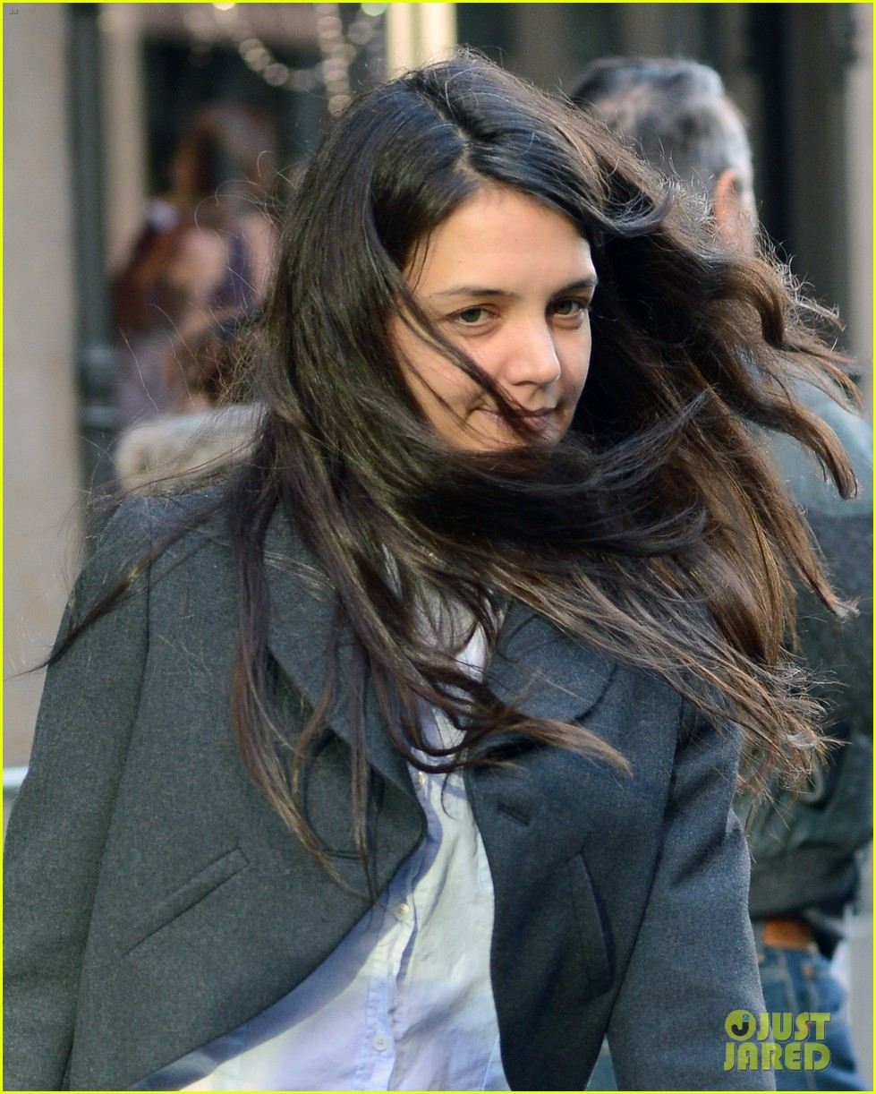 katie holmes shops at saks with jeanne yang 022764196