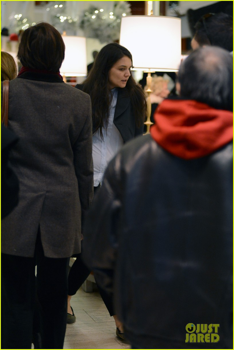 katie holmes shops at saks with jeanne yang 072764201