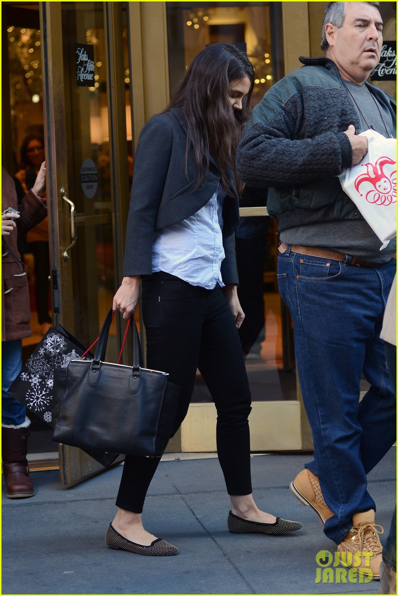 katie holmes shops at saks with jeanne yang 082764202