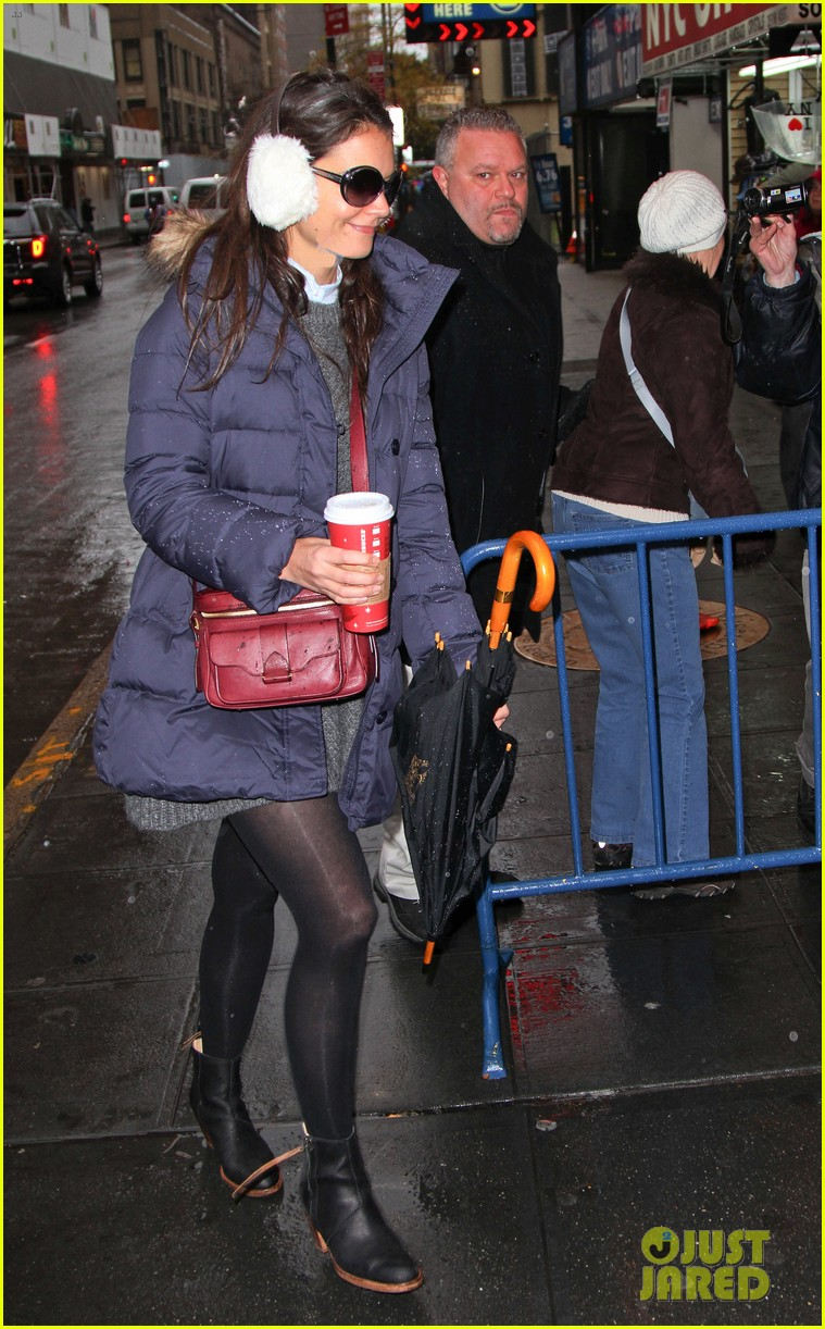 katie holmes snowy dead accounts arrival 11