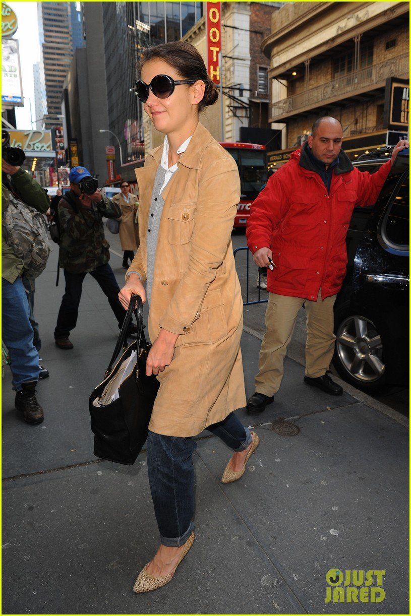 katie holmes the broadway community is so supportive 012765333