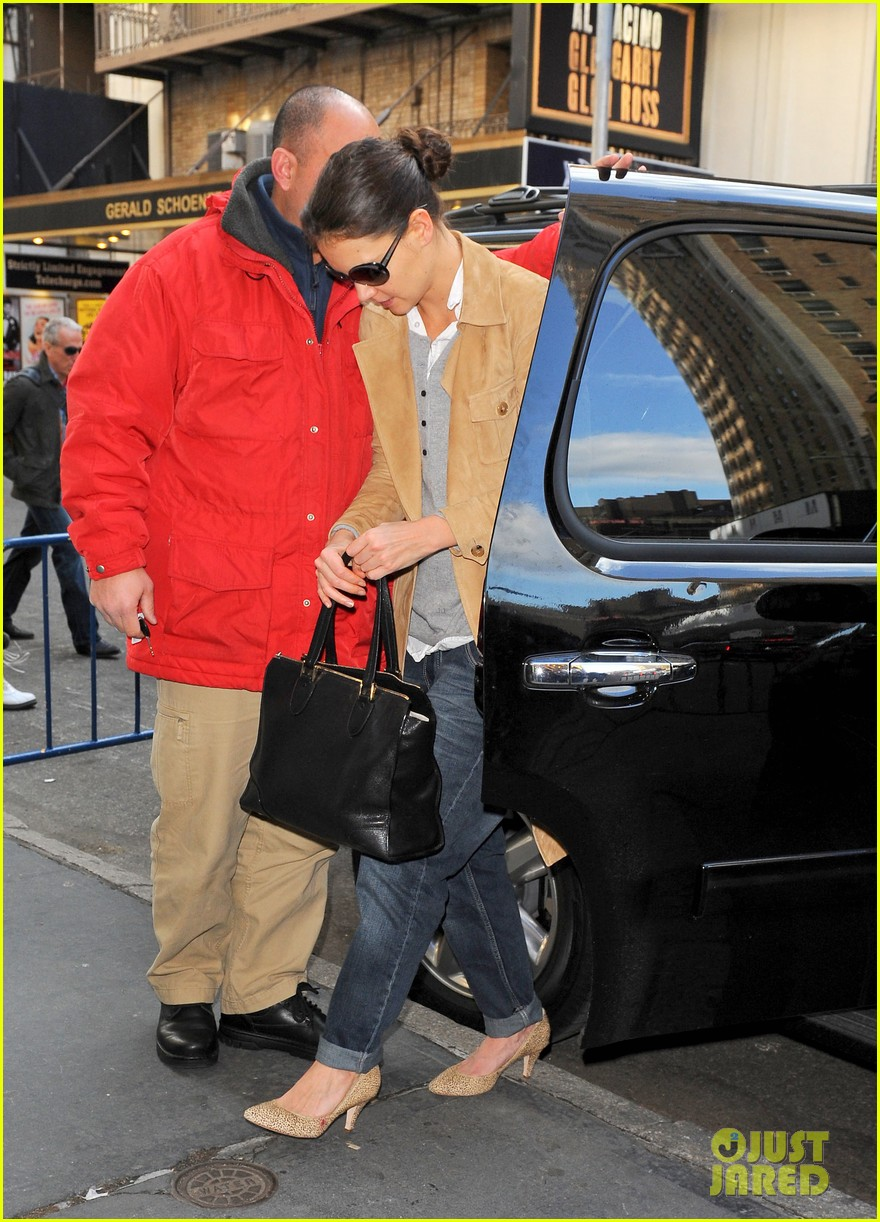 katie holmes the broadway community is so supportive 072765339
