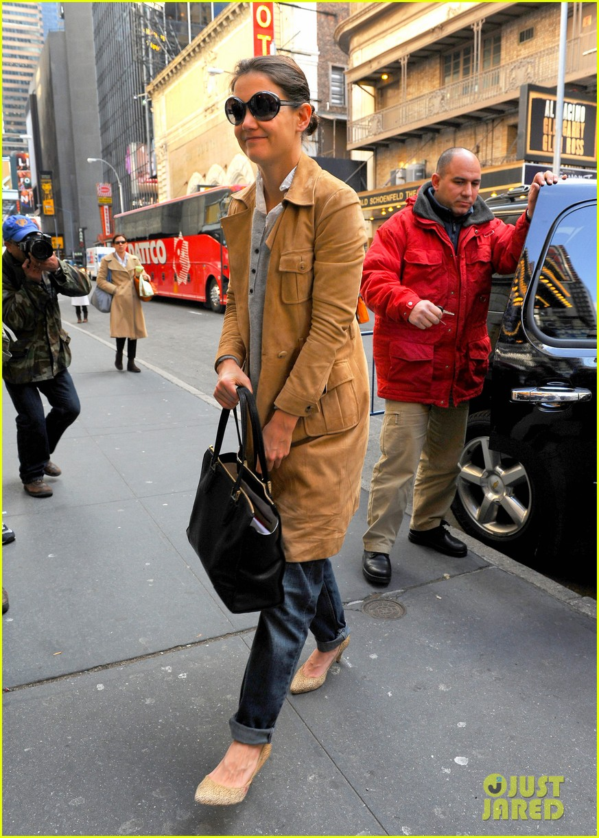 katie holmes the broadway community is so supportive 102765342