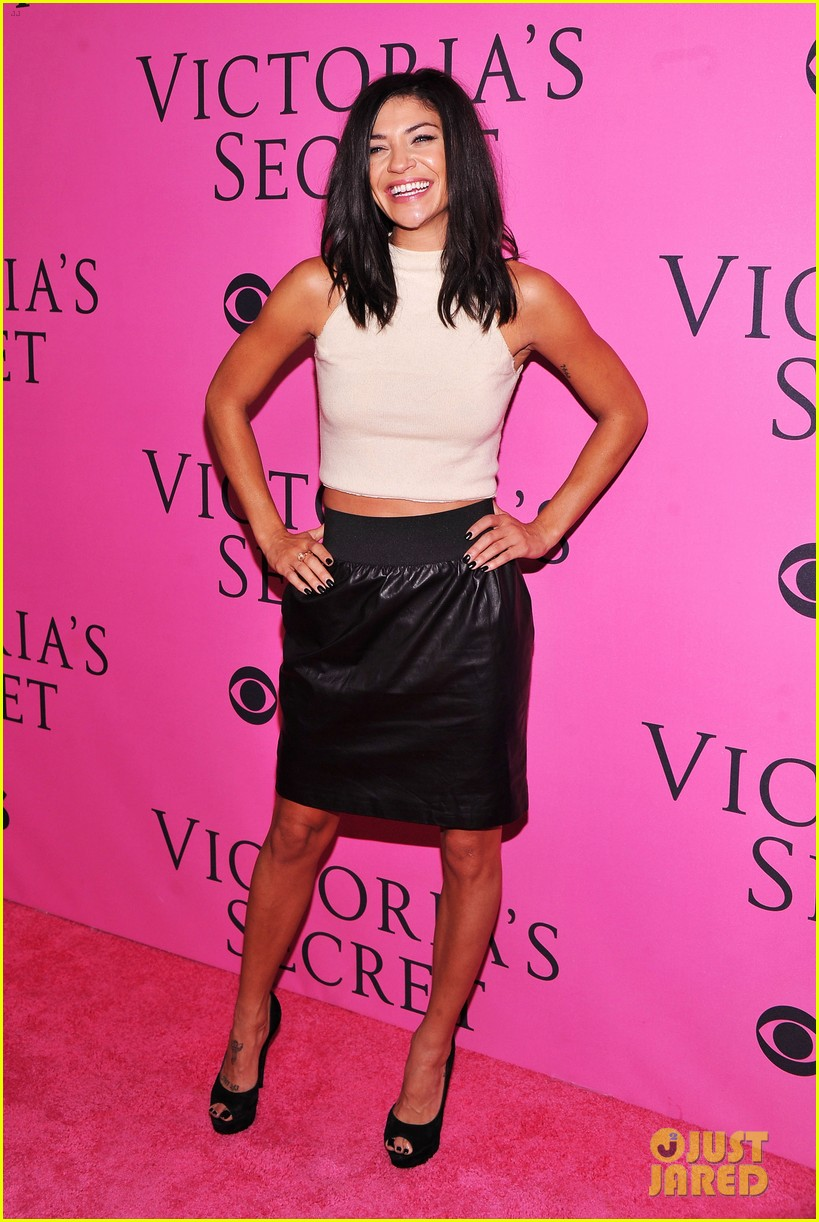 vanessa hudgens victorias secret fashion show 2012 03