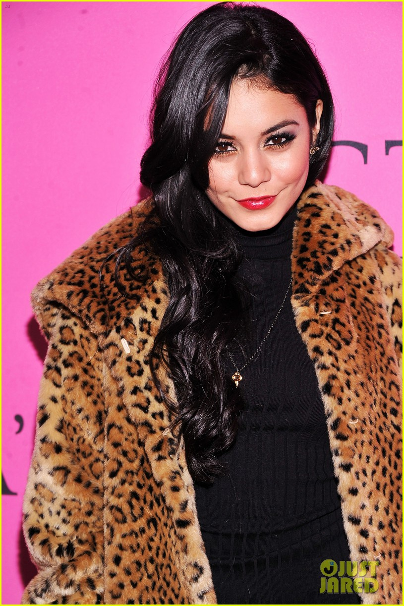 vanessa hudgens victorias secret fashion show 2012 09