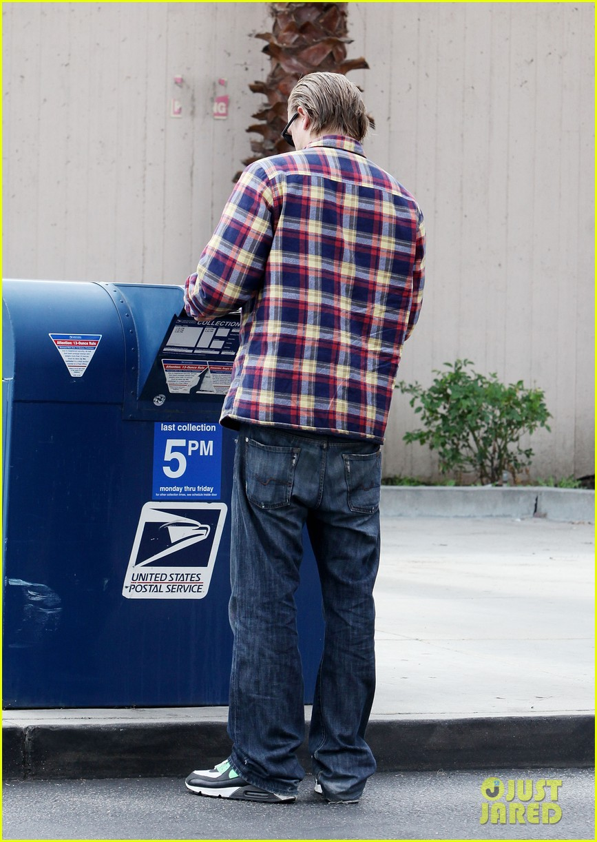 charlie hunnam post office stop 032761956