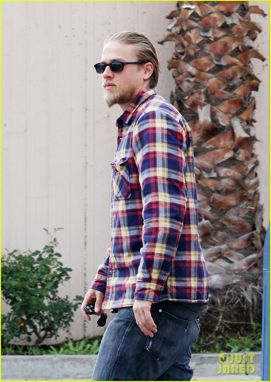 charlie hunnam post office stop 092761962