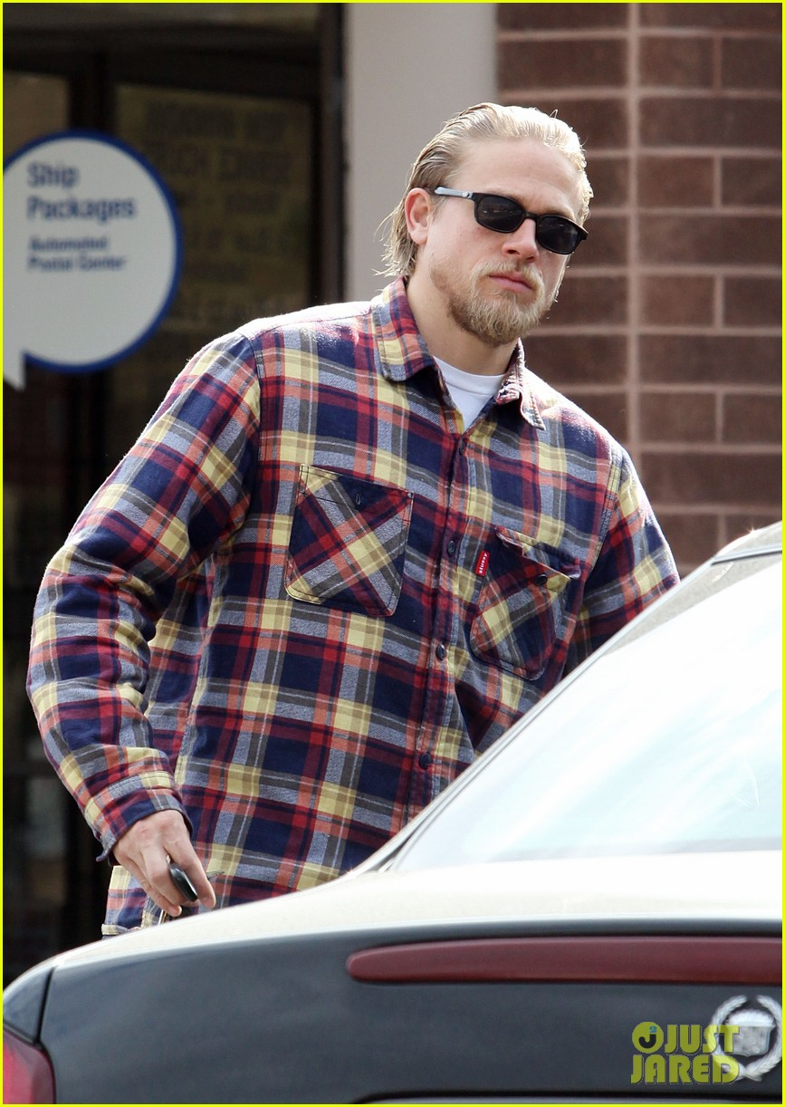 charlie hunnam post office stop 11